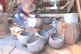 Китайский городок возвращает интерес к вокам ручной работы