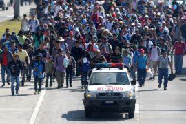 К США двинулся новый караван мигрантов