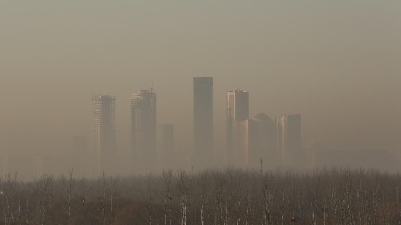 Китайские города по-прежнему погружены в смог
