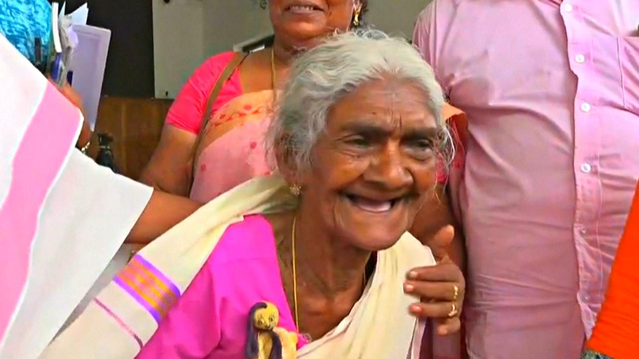 96-летняя индийская школьница лучше всех сдала экзамен на грамотность