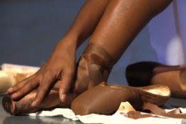 Коричневые пуанты для темнокожих впервые сделали в Великобритании