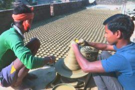 Дешёвые аналоги не смогли вытеснить масляные лампы с индийского рынка