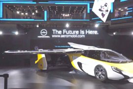 На выставке импортных товаров в Китае показали аэромобиль