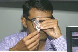 Бриллиантовая индустрия Индии страдает из-за торговой войны между США и КНР