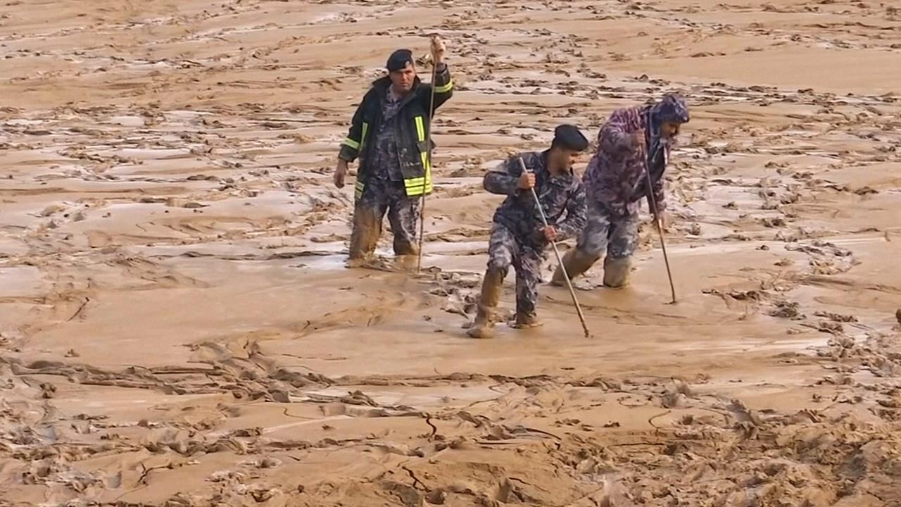 11 человек погибли в Иордании в результате наводнения