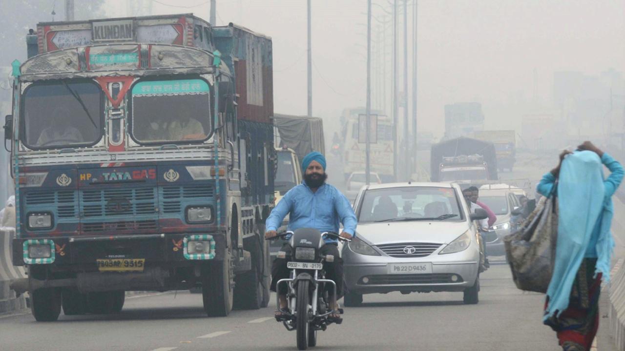 Экологи: растущее население – главная причина грязного воздуха в Дели