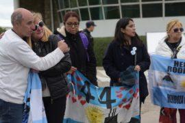 Семьи моряков с подлодки «Сан-Хуан» хотят видеть тела погибших