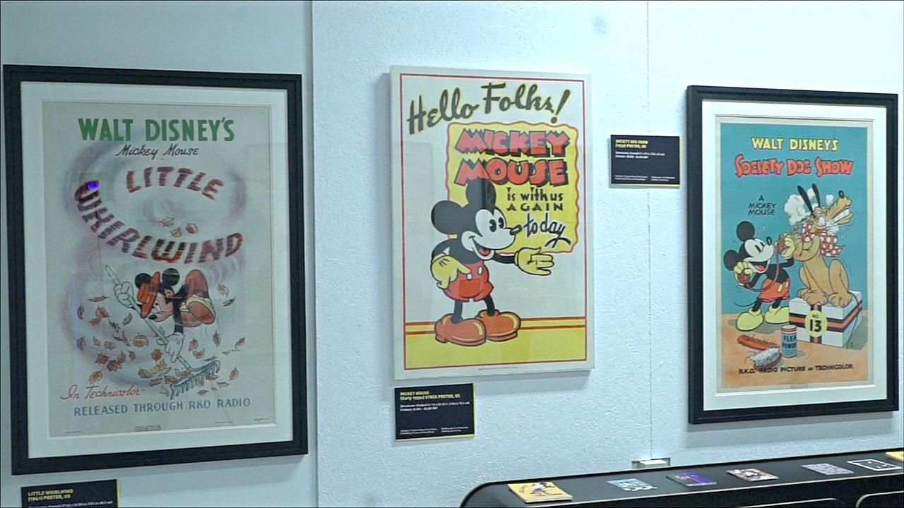 Винтажные плакаты с Микки-Маусом продадут на аукционе за тысячи долларов