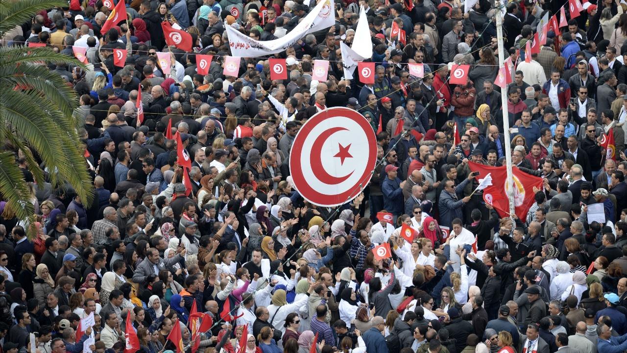 650 тысяч тунисцев вышли на общенациональную забастовку