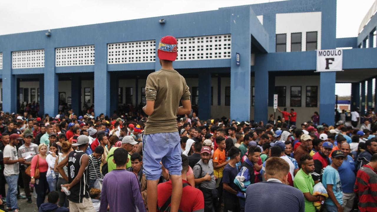 Эквадор просит $550 млн для помощи мигрантам из Венесуэлы