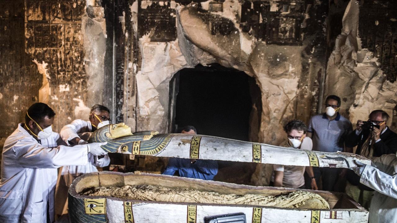 В египетском Луксоре нашли древние гробницы с саркофагами