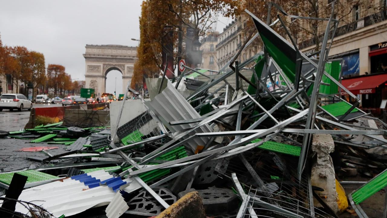 «Топливные протесты» серьёзно ударили по экономике Франции