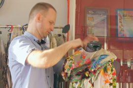 Модельер-водопроводчик создаёт роскошные платья, расшитые бисером