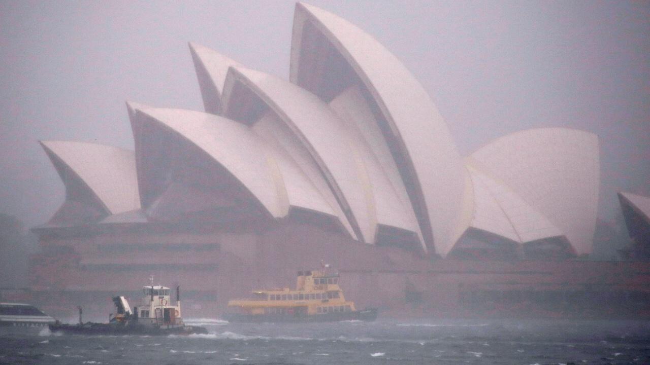 Тысячи домов остались без света в Сиднее из-за внезапного наводнения