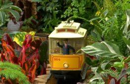 Шоу миниатюрных поездов стартовало в ботаническом саду Нью-Йорка