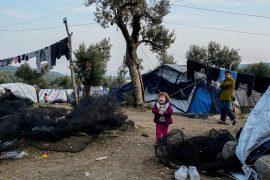 На Лесбосе пытаются выжить около 8000 мигрантов