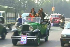 Винтажные авто вышли на дороги индийского города Лакхнау