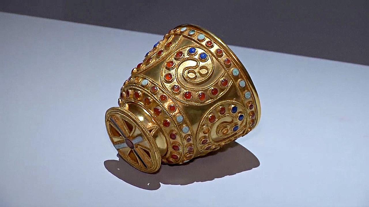 «Мудрость, воссозданная в золоте»: в Грузии представили древние шедевры