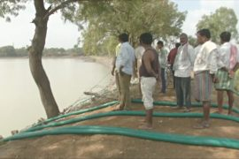 В Индии власти вынуждены осушить озеро, в котором утопилась ВИЧ-инфицированная