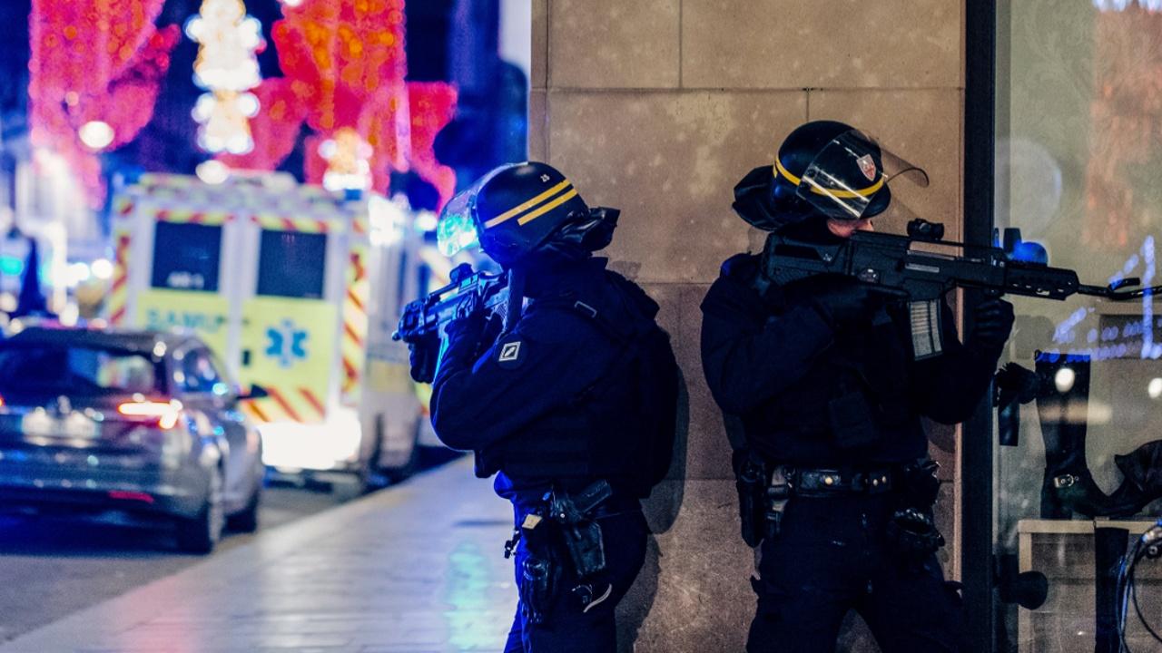 Страсбург оцеплен: ловят стрелка, убившего троих человек в центре города