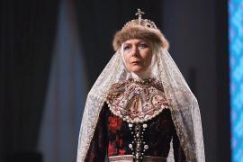 Малый театр показал зрителям свои старинные костюмы в Москве