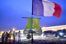 Из-за протестов во Франции погибло 8 человек