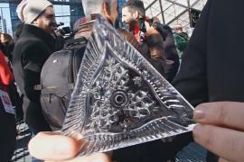 Новогодний шар на Таймс-сквер украсили новыми кристаллами