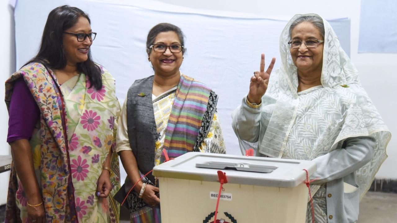 Премьера Бангладеш выбрали на третий срок подряд на фоне насилия