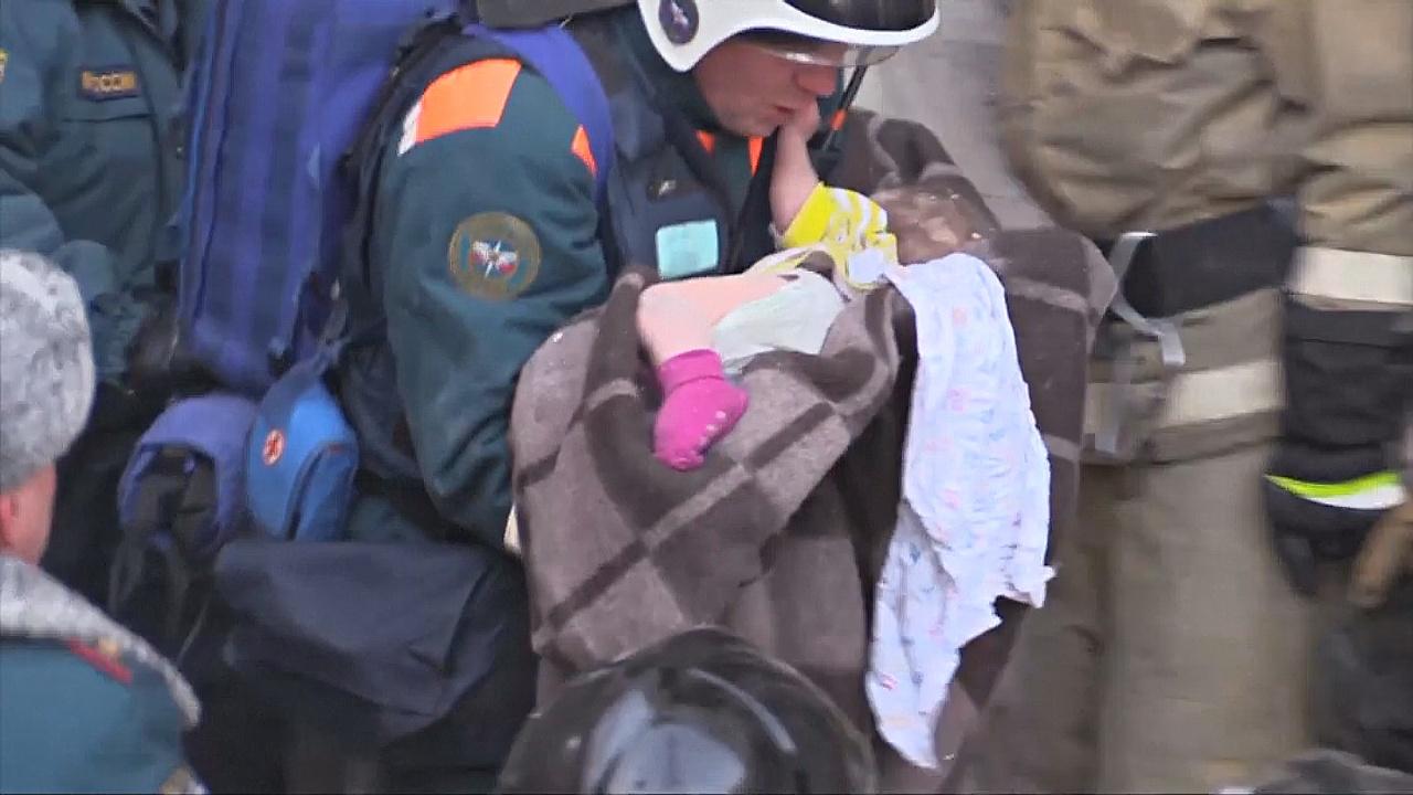 Чудесное спасение: в Магнитогорске под обломками нашли живого младенца
