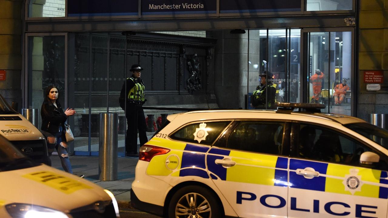 Нападение с ножом на вокзале в Манчестере расследуют как теракт