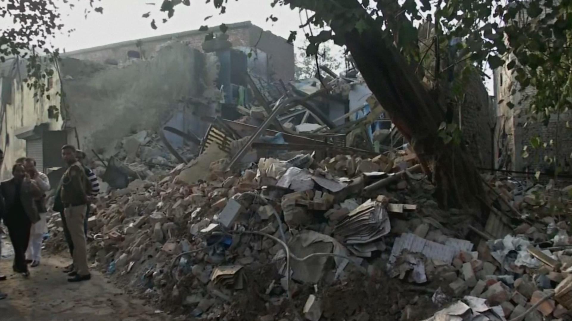 Взрыв на заводе в Нью-Дели: семеро погибших