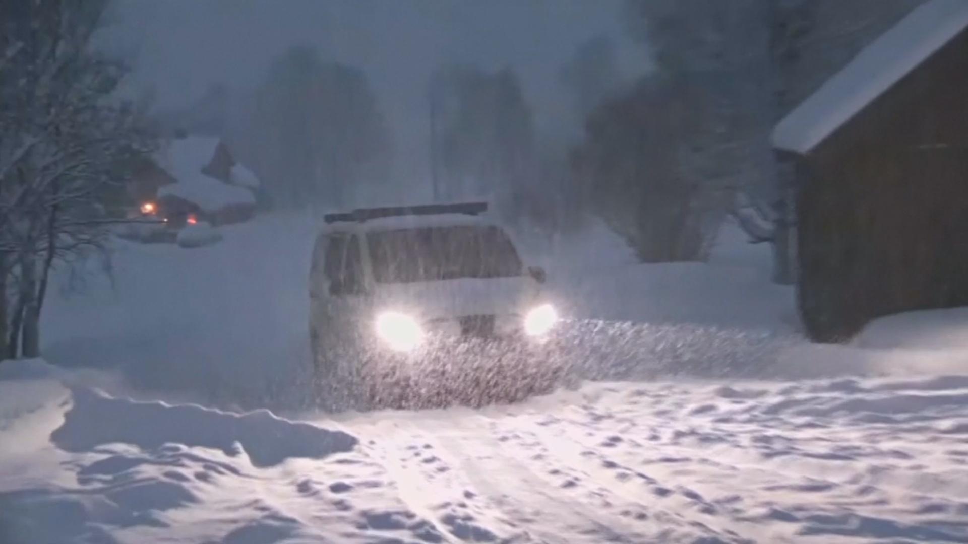 В Норвегии из-за снегопада прервали поиск пропавших лыжников