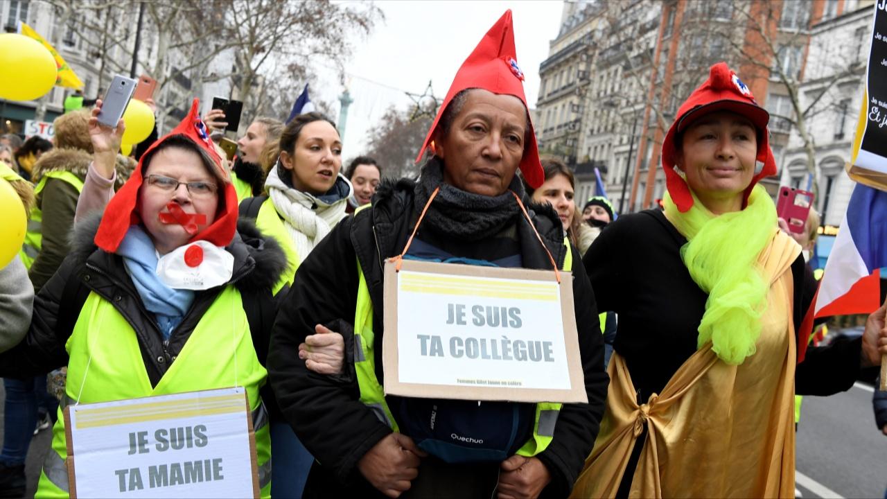 Французские «жёлтые жилеты» снова протестуют
