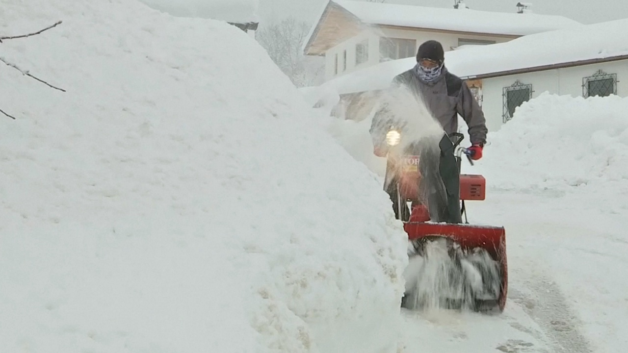 На юге Германии ввели режим ЧП из-за снегопадов