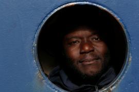 Спасательные суда с мигрантами почти две недели не впускают в порты ЕС