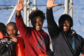 Мальта приняла 49 мигрантов, которые провели в море почти три недели
