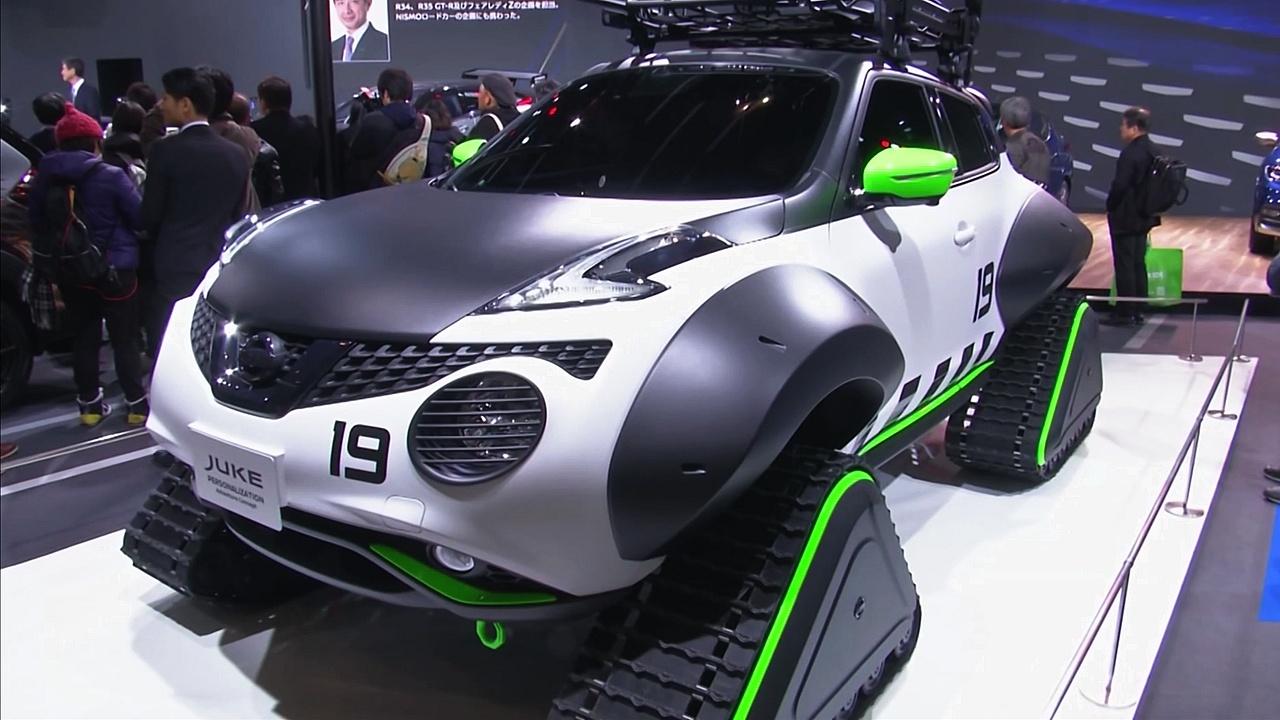 Nissan Juke на гусеницах и тюнингованные спорткары на автошоу в Токио