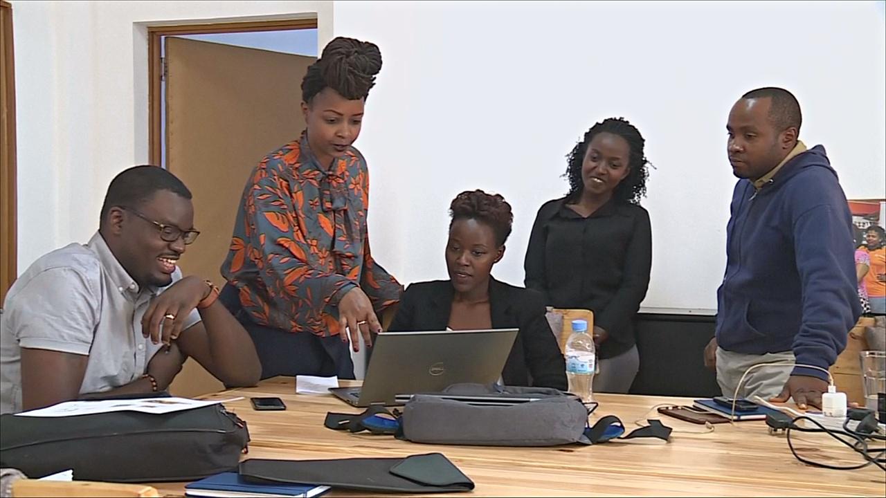 В Руанде беженцам помогают встать на ноги