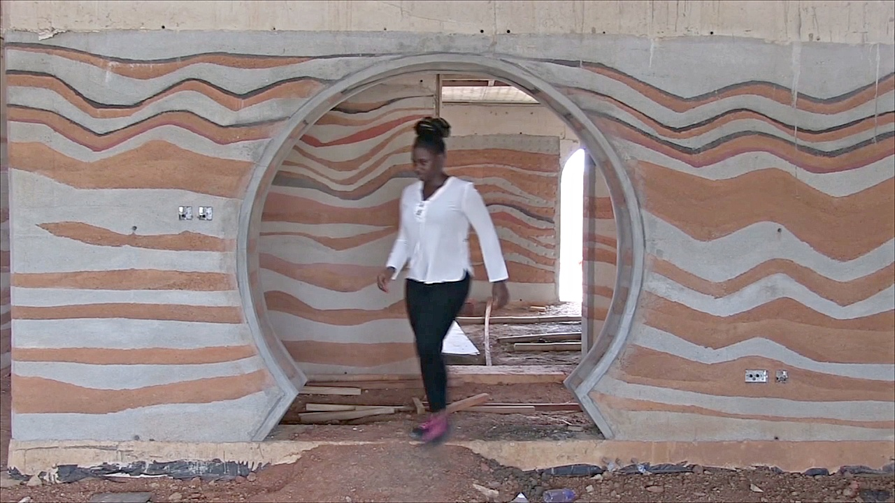 В Гане снова строят землебитные дома, но по новой технологии