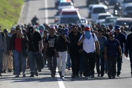 Новый караван мигрантов выдвинулся из Сальвадора в США