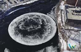 На реке в США вращается 90-метровый ледяной диск