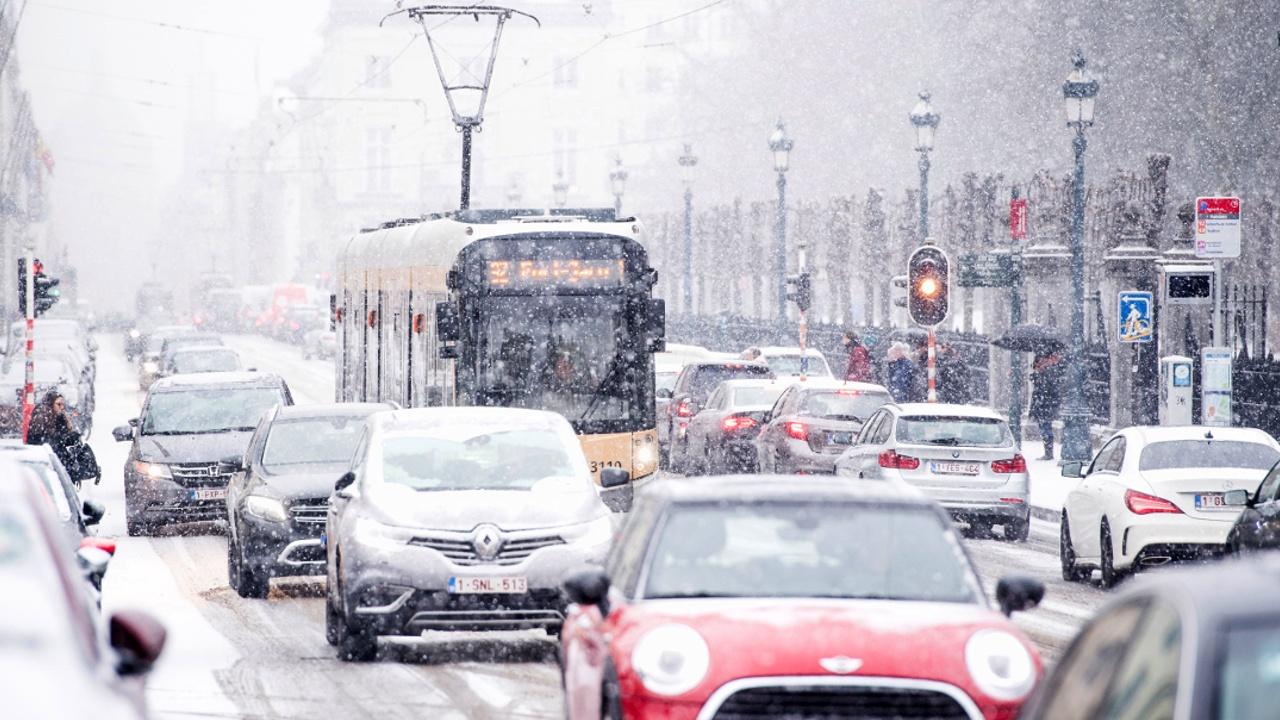В Бельгии и Франции – первые в сезоне снегопады