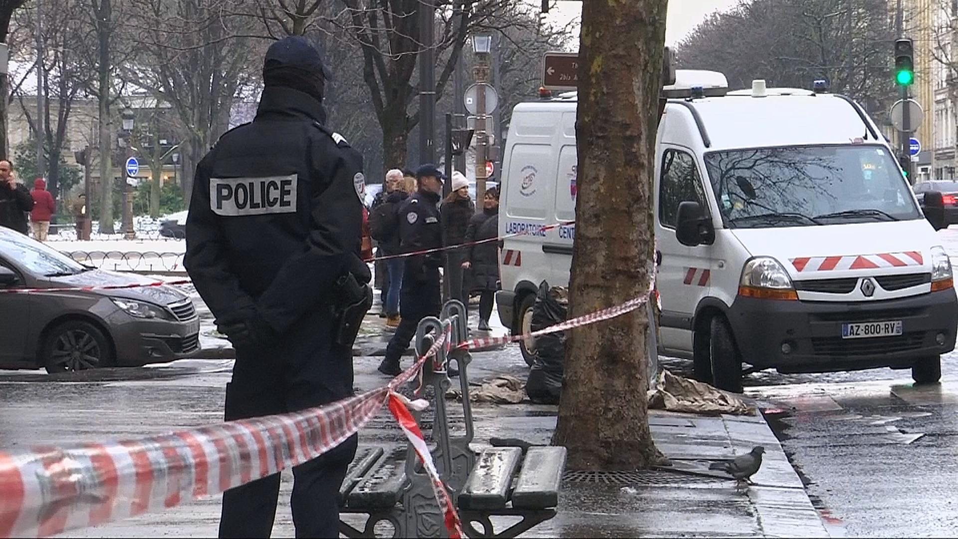 Во Франции ищут людей, ограбивших банк в центре Парижа
