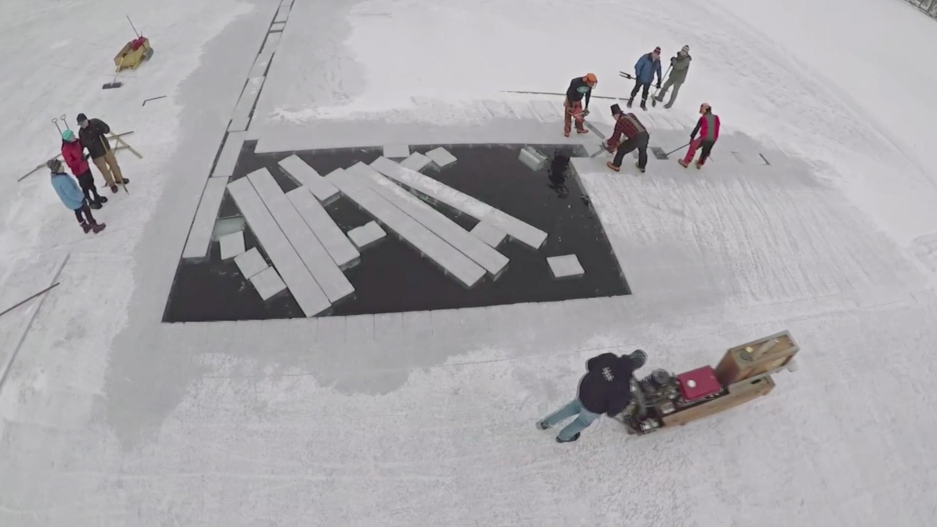 В США по-прежнему живёт 120-летняя традиция заготовки льда