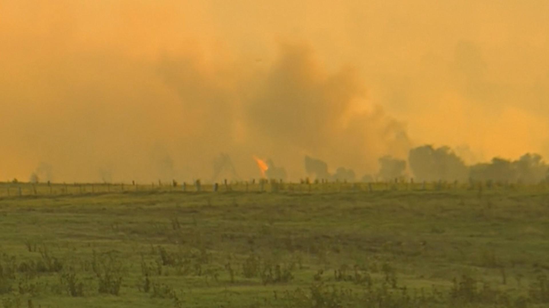 Пожары в Австралии уничтожают жилые дома