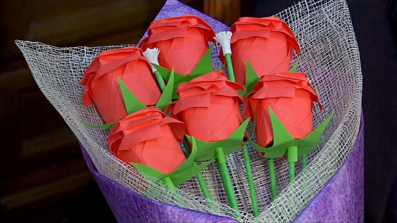 Неувядающие цветы ко Дню святого Валентина создали филиппинки