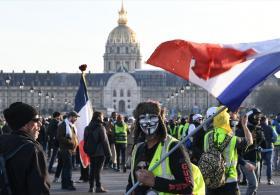 «Жёлтые жилеты» протестуют во Франции уже три месяца