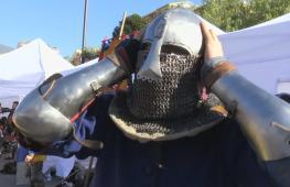 Как сражались на турнире по средневековому бою в Монако