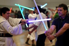 Франция признала спортом поединки на световых мечах