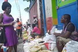 Беспорядки на Гаити разоряют рыночных торговцев